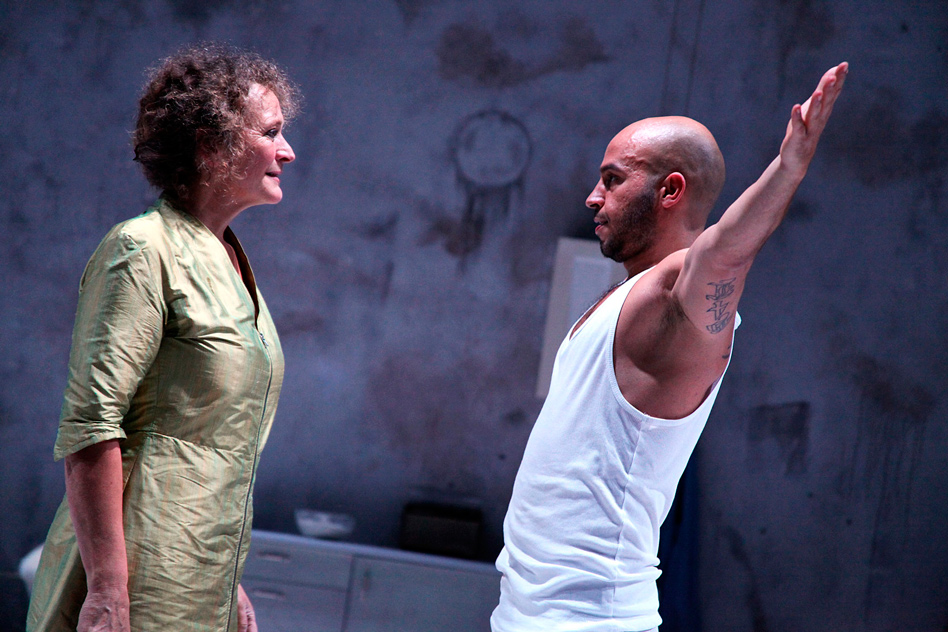 Ulla Henningen og Dar Salim i Habe kein Angst produceret af eKleKtisk teaterproduKtion